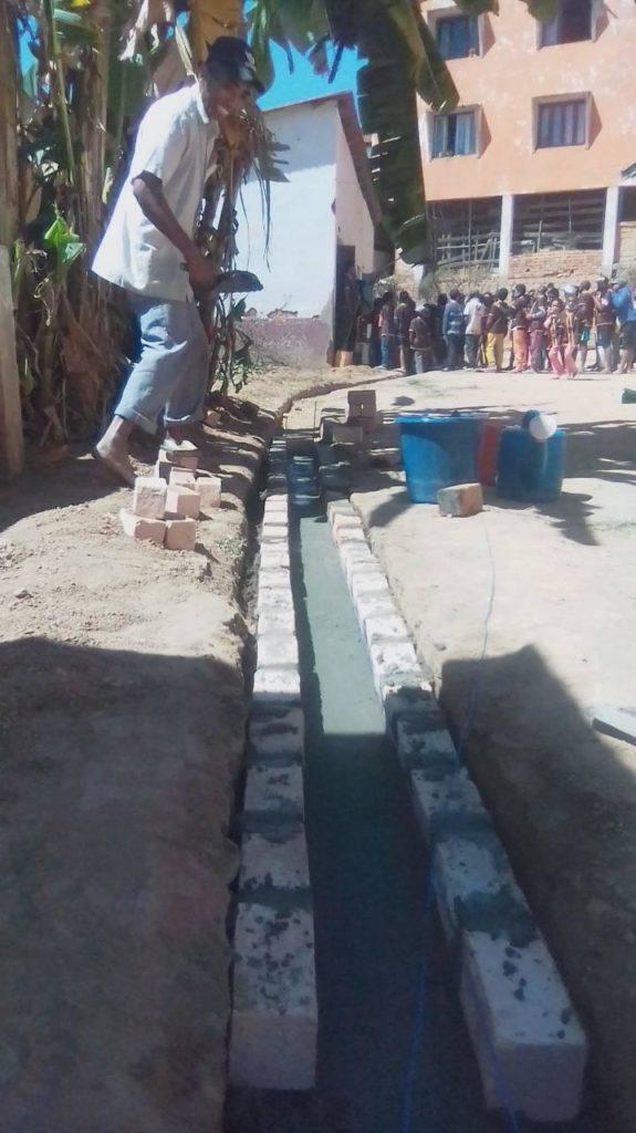Canal d'évacuation d'eau - EPP Anosisoa