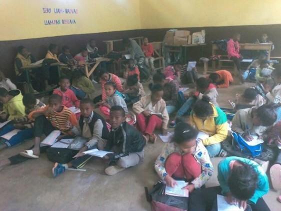 Ils font école au ras du sol - Zazany Madagascar