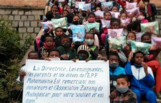 Distribution de Kits Scolaires EPP Mahamasina-Est